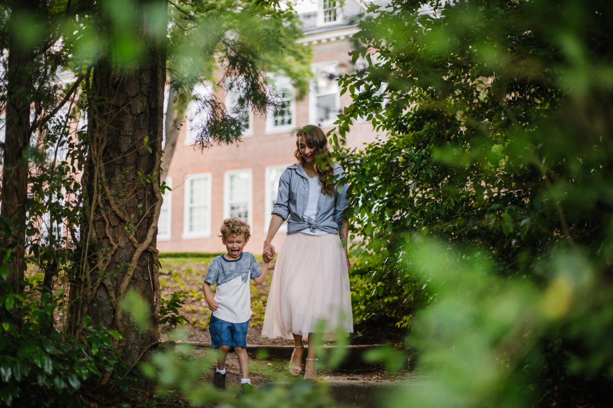 Nicoleandjack_colonialwilliamsburg_mommyandme_meadowsfrozencustard-44.jpg