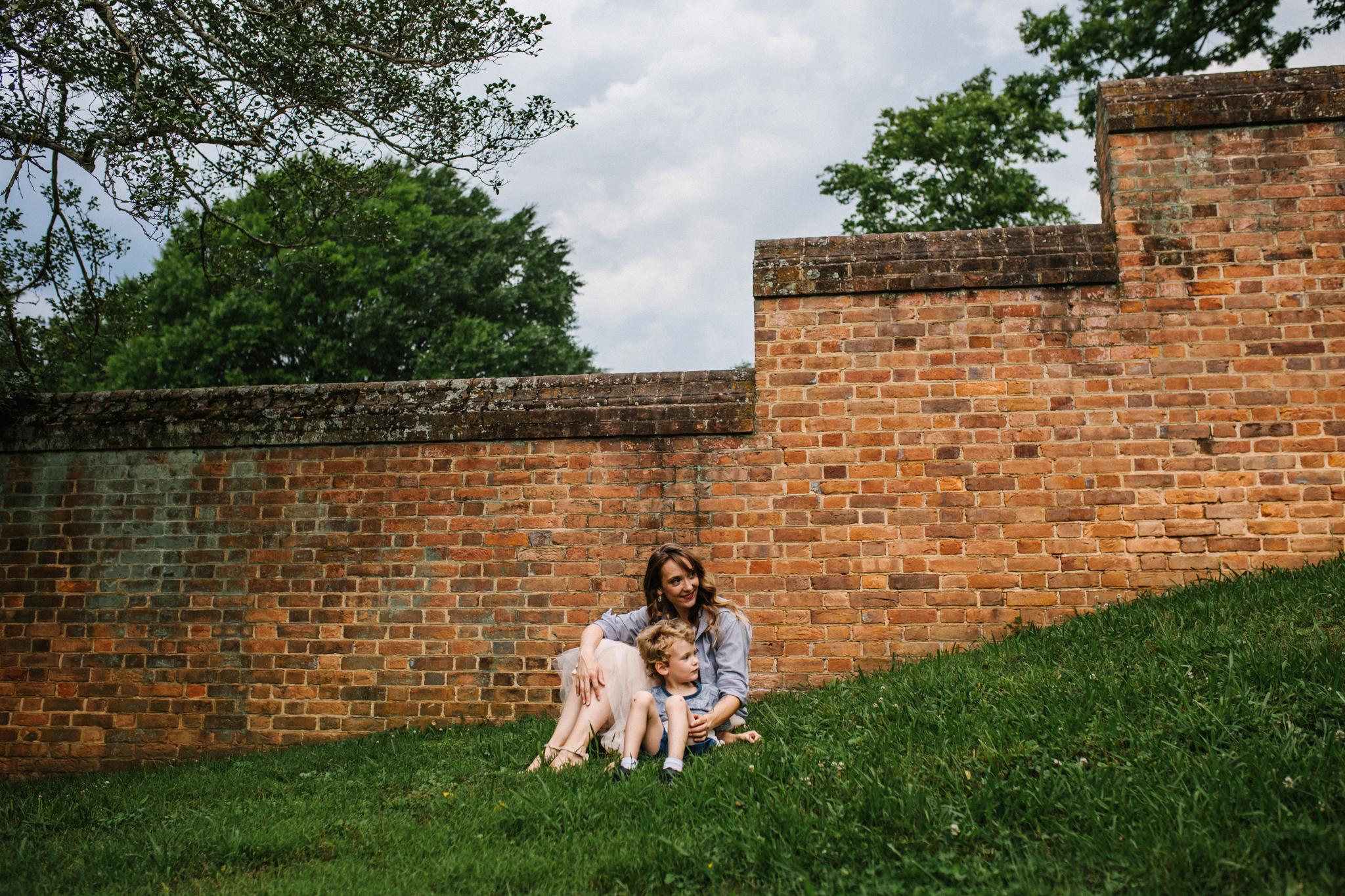 Nicoleandjack_colonialwilliamsburg_mommyandme_meadowsfrozencustard-59.jpg