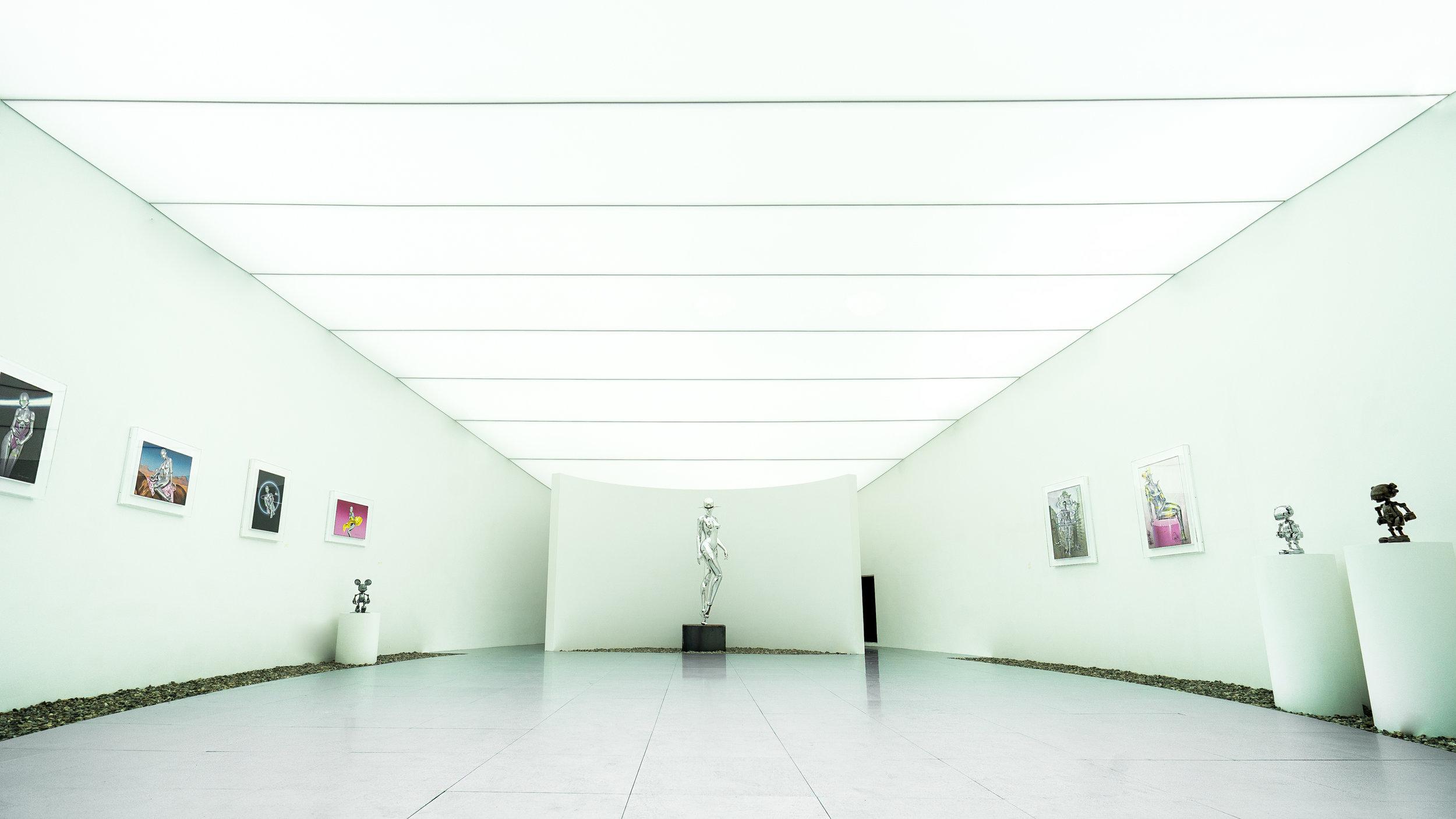 06. Super Realistic World(Hajime Sorayama), 2019, courtesy of D MUSEUM.jpg