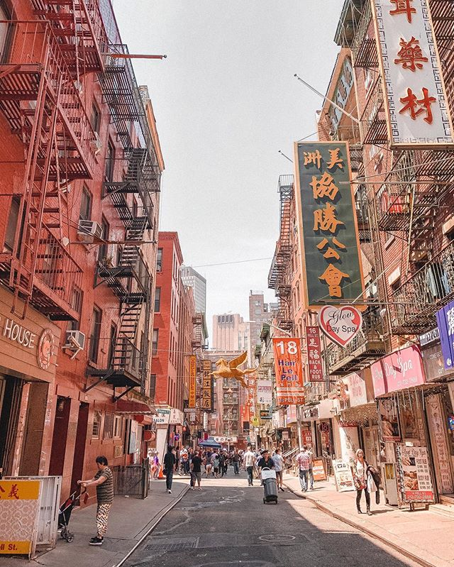 We're back in #NYC this month and we #soupdumplings was lunch meeting number one on our list! • • • #nyc #chinatown #joesshanghai #coffee #coffeeshop #productive #working #workflow #weekend #mondaymotivation #entrepreneur #consultantlife #productive #cityscape #clients #meetings #visualdesigner #graphicdesigner #graphicdesign #artdirector #architecture