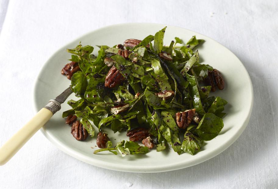 Spinach Salad w/Pecan Vinaigrette