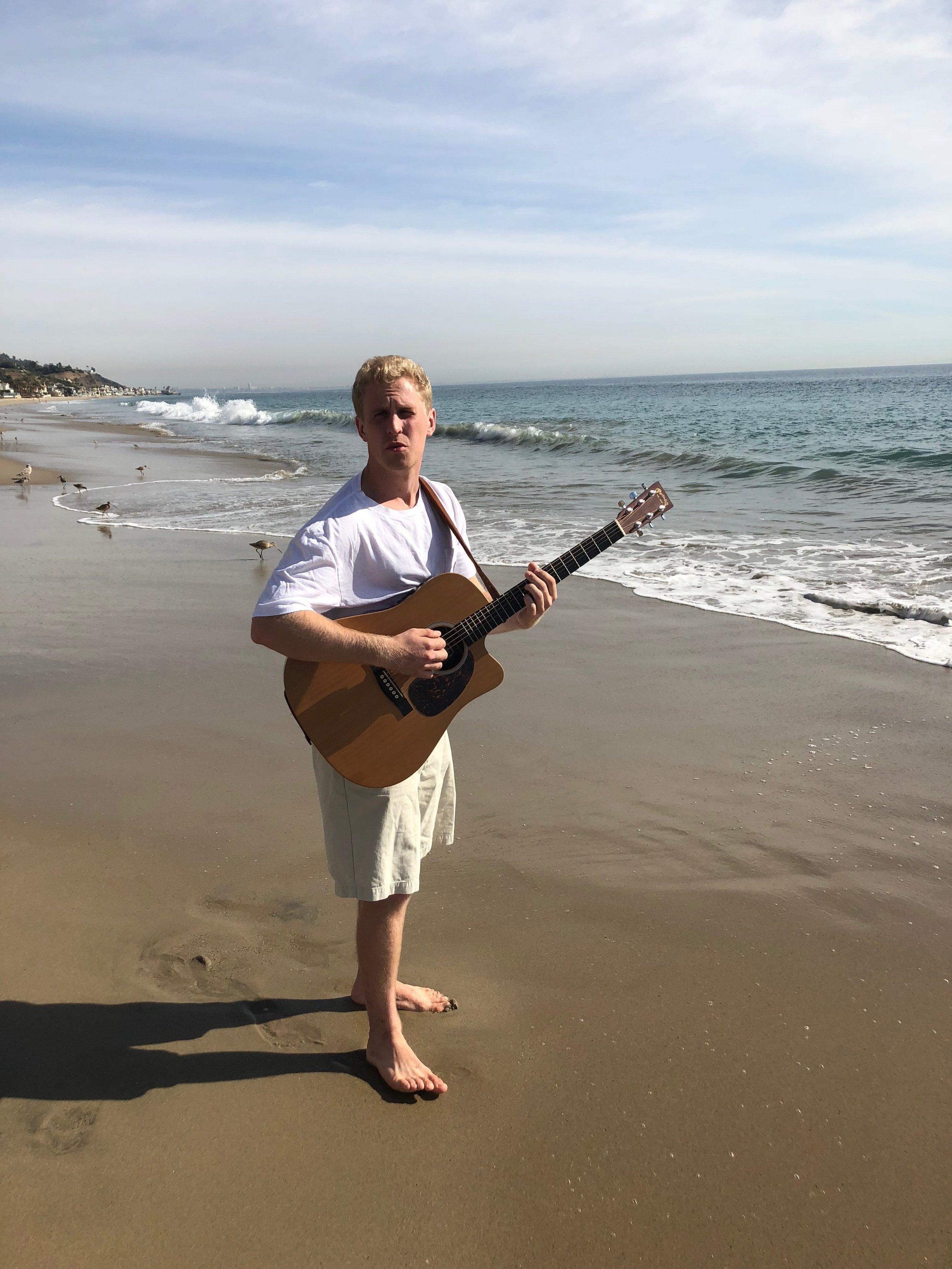 max-mccali-music-maxmccali-musician-guitarist-guitarplayer-recordingartist-singersongwriter-musicproducer-singer-songwriter-countrymusic-popmusic-edm-dancemusic-tropicalhousemusic-newmusic-recordingstudio-beach-malibu-guitar-style-happiness.JPG