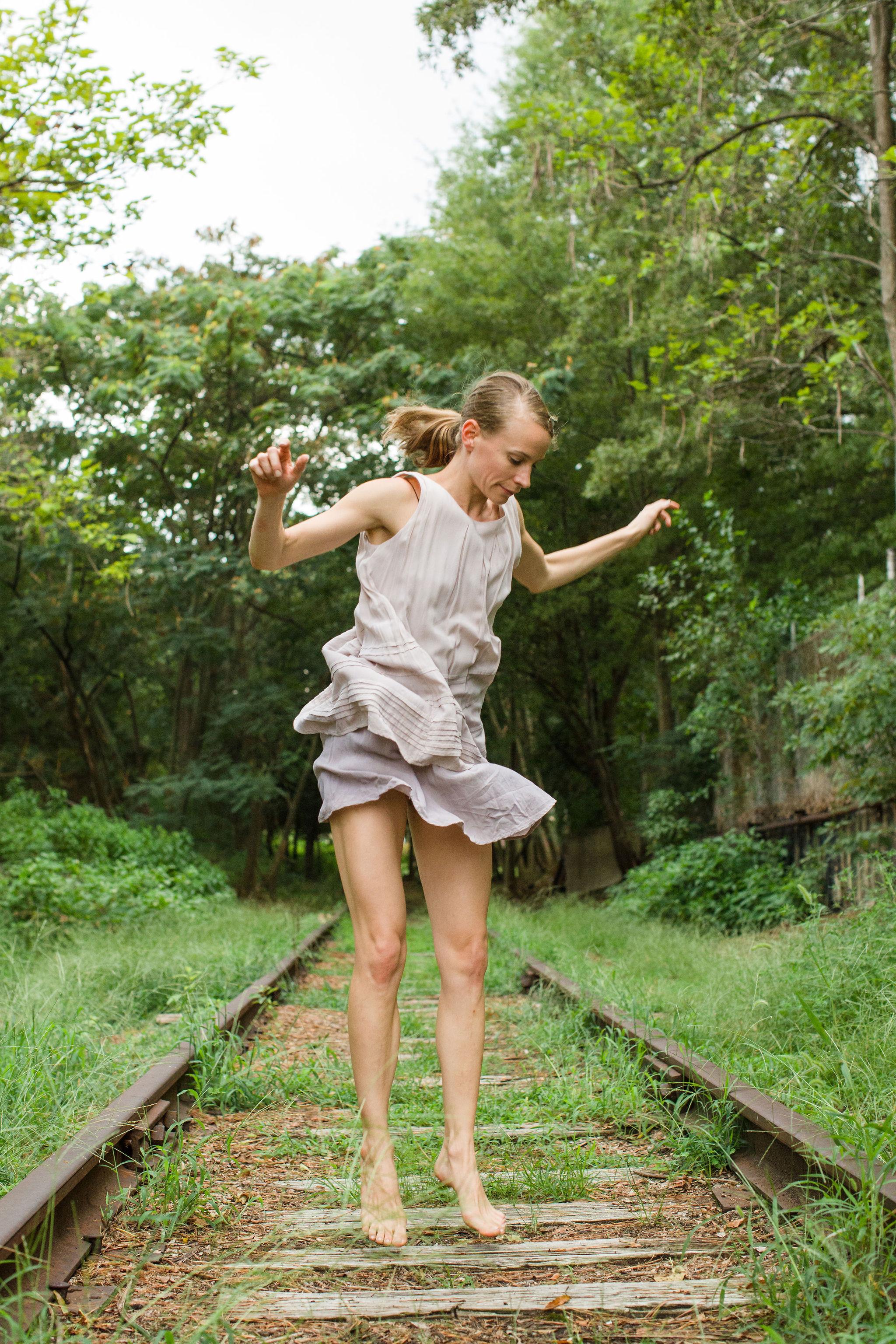 2019_08_22_kristin_railroad_durham_dances_SD1_2283.jpg