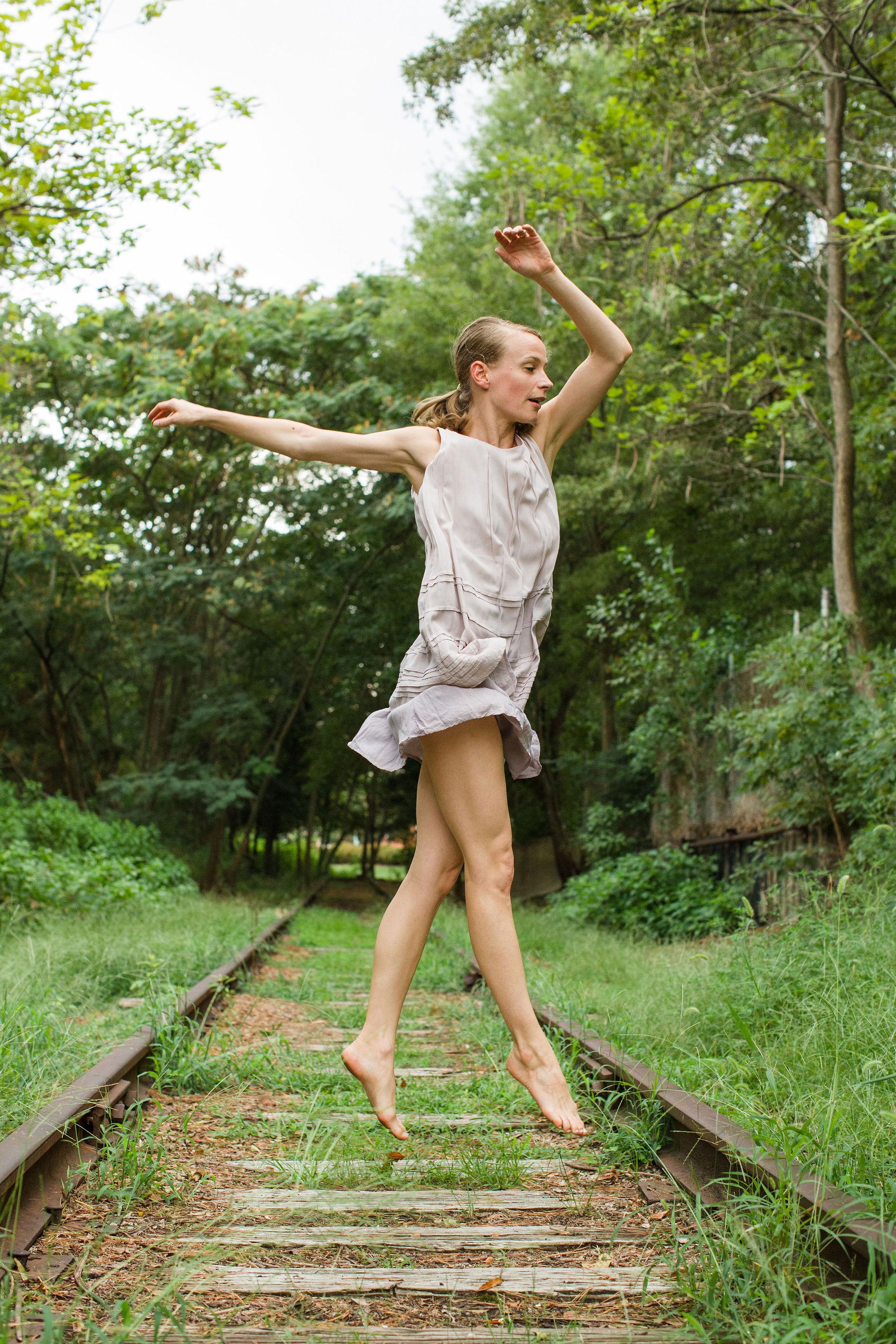 2019_08_22_kristin_railroad_durham_dances_SD1_2286.jpg