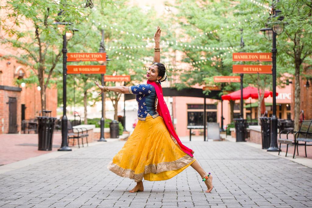 2019_06_30_durham_dances_nischi_bollywood_CF2_1399.jpg