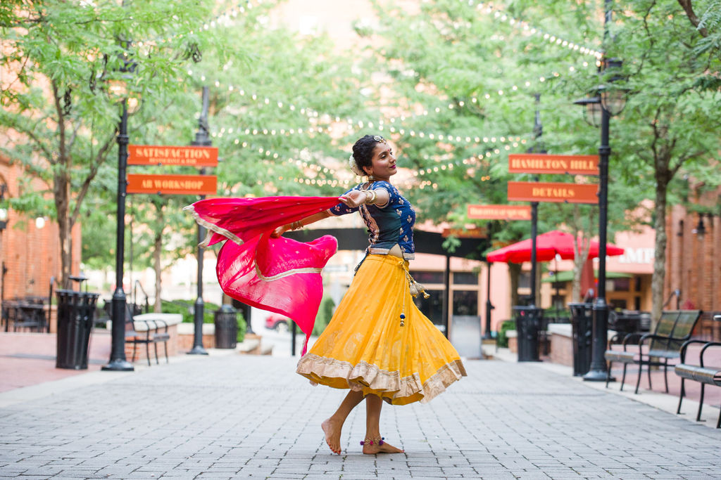 Nischi Shetty - Indian dancing at Brightleaf Square - click to see more on the blog!