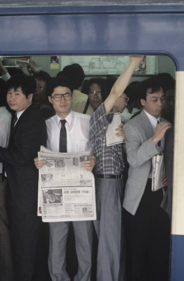 李在容,城记,1994/2016年,高清视频,8分钟