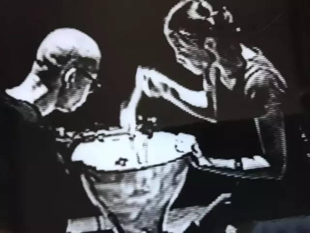 95'首届广东现代艺术小剧场展演,参演作品《场景:裙子和录像》,文慧、吴文光生活舞蹈工作室