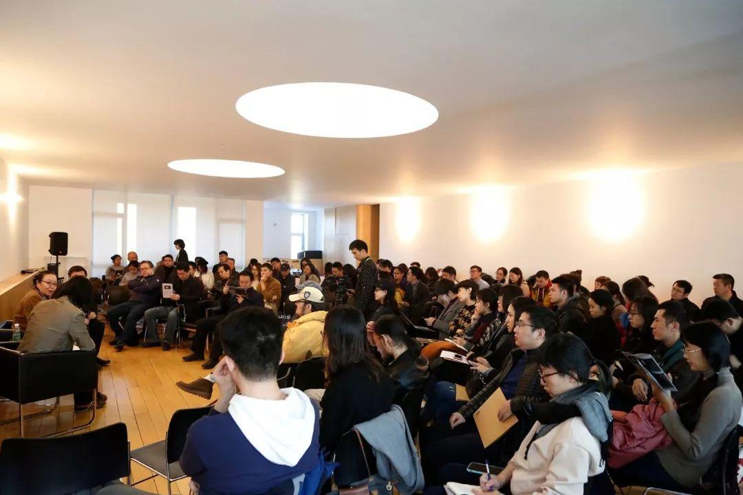 开幕演讲吸引了超过120名观众