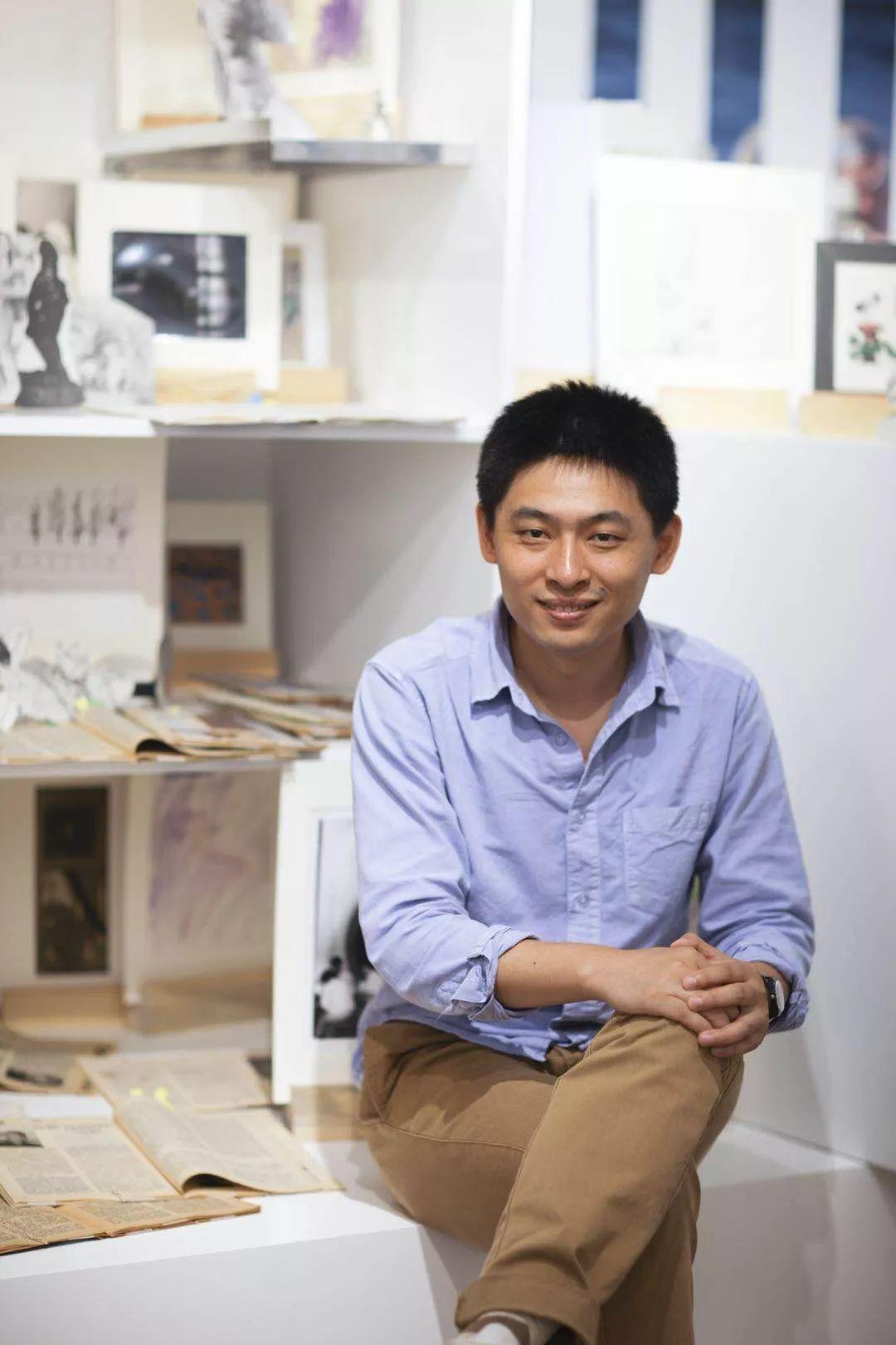 艺术家、策展人,1976年出生于江苏常州,现工作生活于北京。