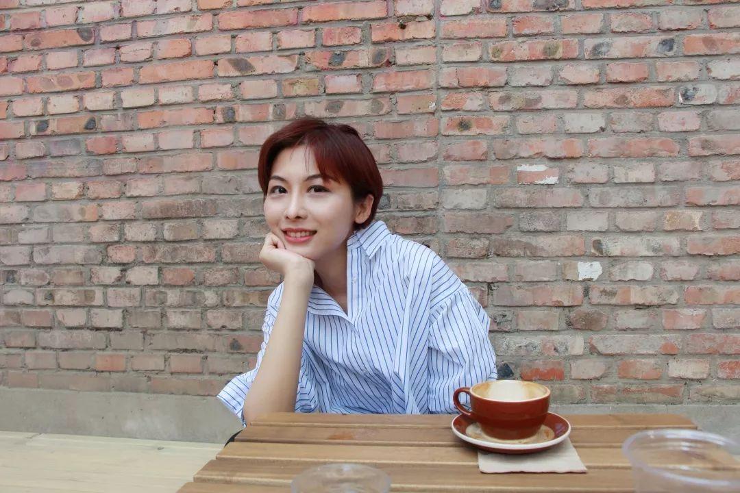 """周婉京, 研究者,写作者。""""七夜""""艺术评论平台联合发起人。目前是美国布朗大学哲学系访问学者,北京大学艺术哲学博士候选人。"""