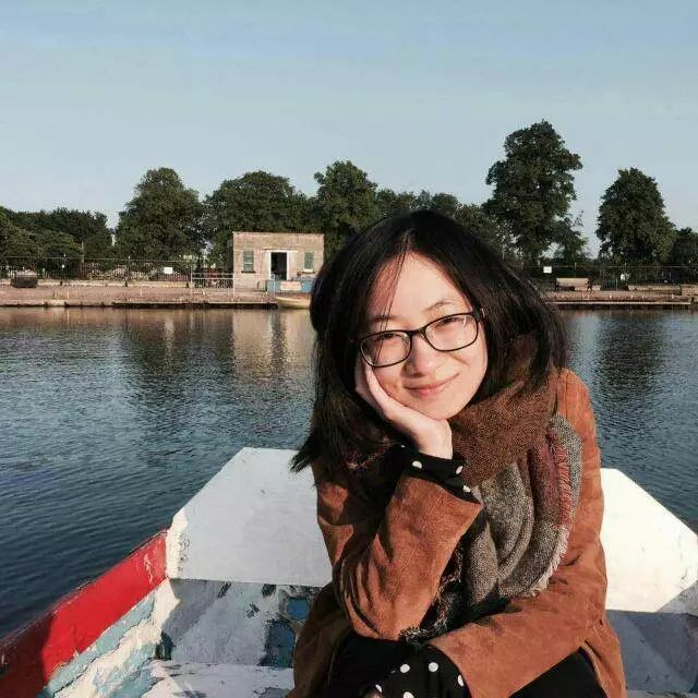 许小凡,北京外国语大学英语学院讲师,英国诺丁汉大学英语文学博士。