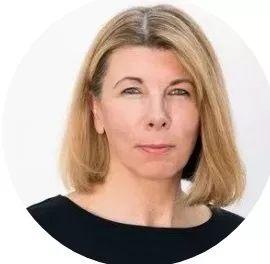 """维多利亚·沃尔什是伦敦皇家艺术学院(RCA)的艺术史和策展教授以及当代艺术策展项目负责人。她曾在泰特美术馆工作,在创建泰特研究部门方面发挥了关键作用,随后领导了泰特第一个国家研究资助的主要项目""""邂逅泰特""""(2007-2010),从而促使 《后批评博物馆学:美术馆的理论与实践》的出版(Routledge,2013)。     Victoria Walsh is Professor of Art History and Curating and Head of the Curating Contemporary Art programme at the Royal College of Art (RCA), London. She previously worked at Tate where she played a key role in creating Tate's Research Department, subsequently leading Tate's first major national research-funded project 'Tate Encounters' (2007-2010). This led to the publication Post Critical Museology: Theory and Practice in the Art Museum (Routledge, 2013)."""