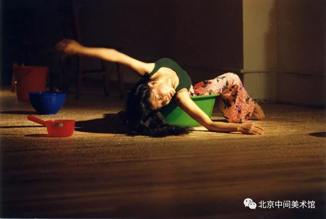 《100个动词》,纽约,1994年,摄影:成方圆