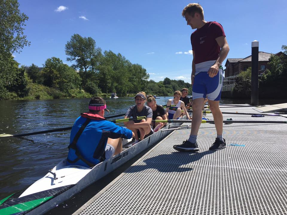 Queen's Rowing Costie's Composite Championship 2017 8+ pushing off the slip