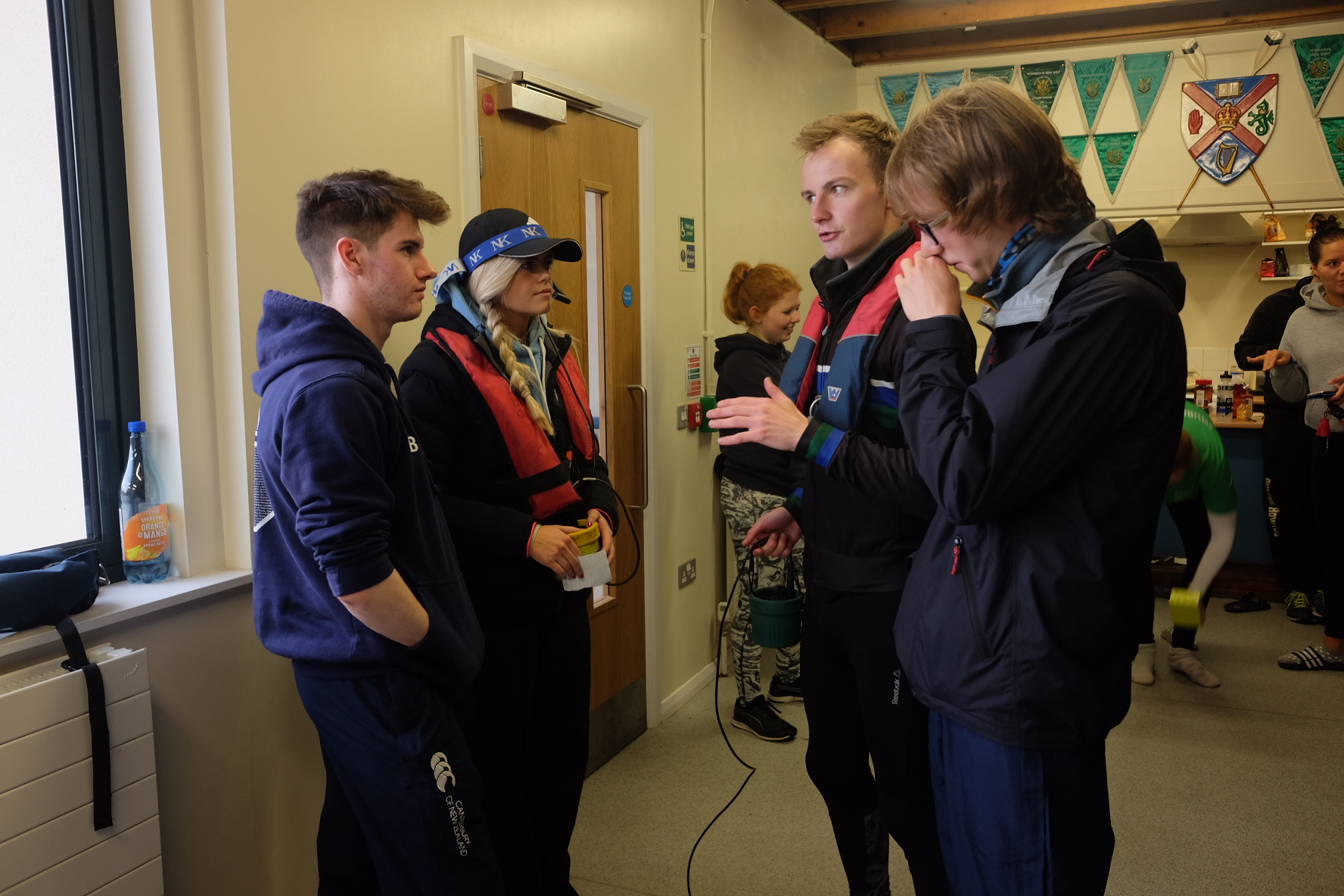 Ed Wilson briefs the coxes