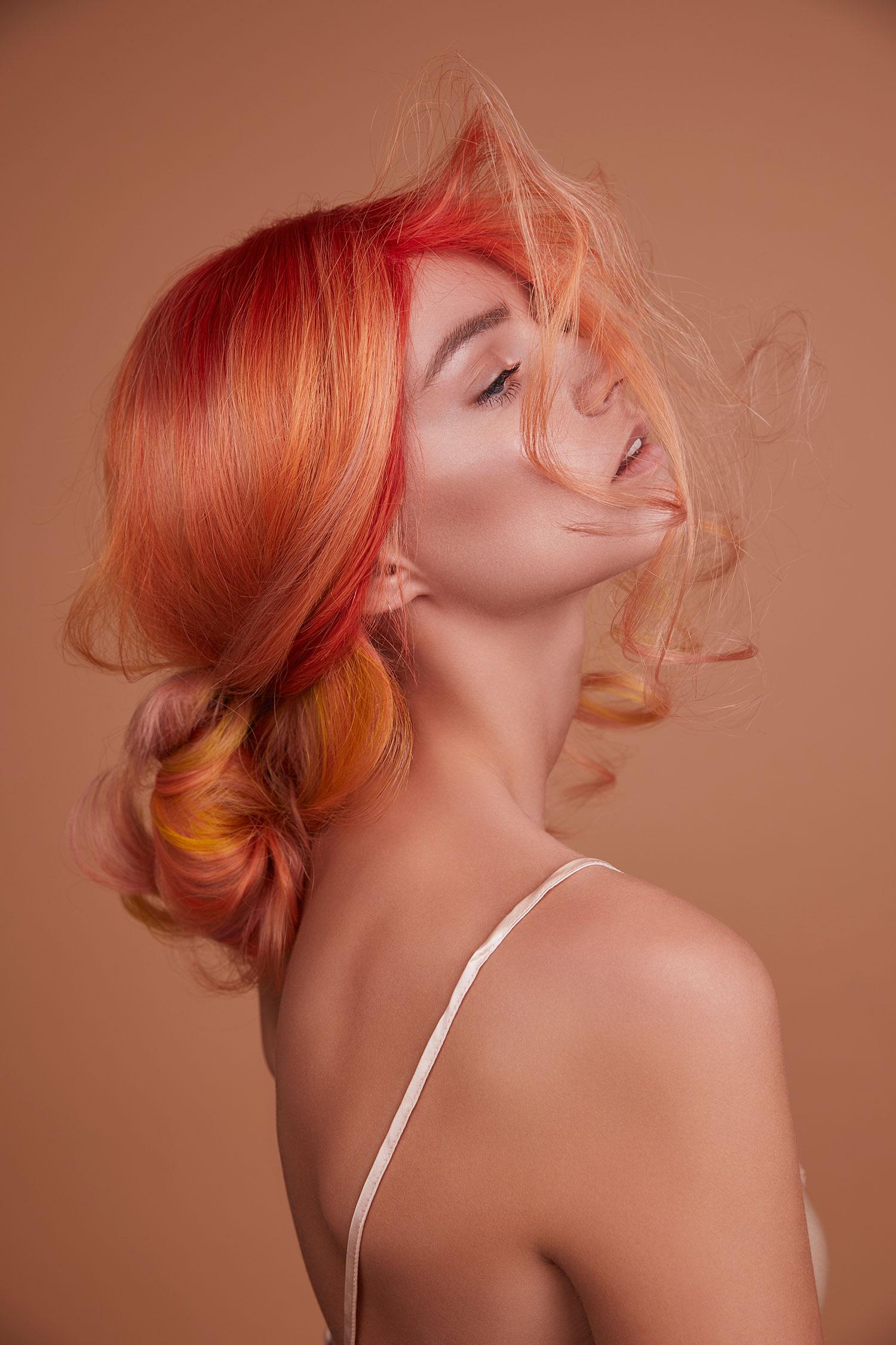 pantone+colour+of+the+year+hairdresser+living+coral+peach+pastel+farbe+wien+balayage+farbspezialist+ahda+austrian+award+lizzy+lemon+ginger+wien+1060+friseur+makeup+felix+rachor.jpeg