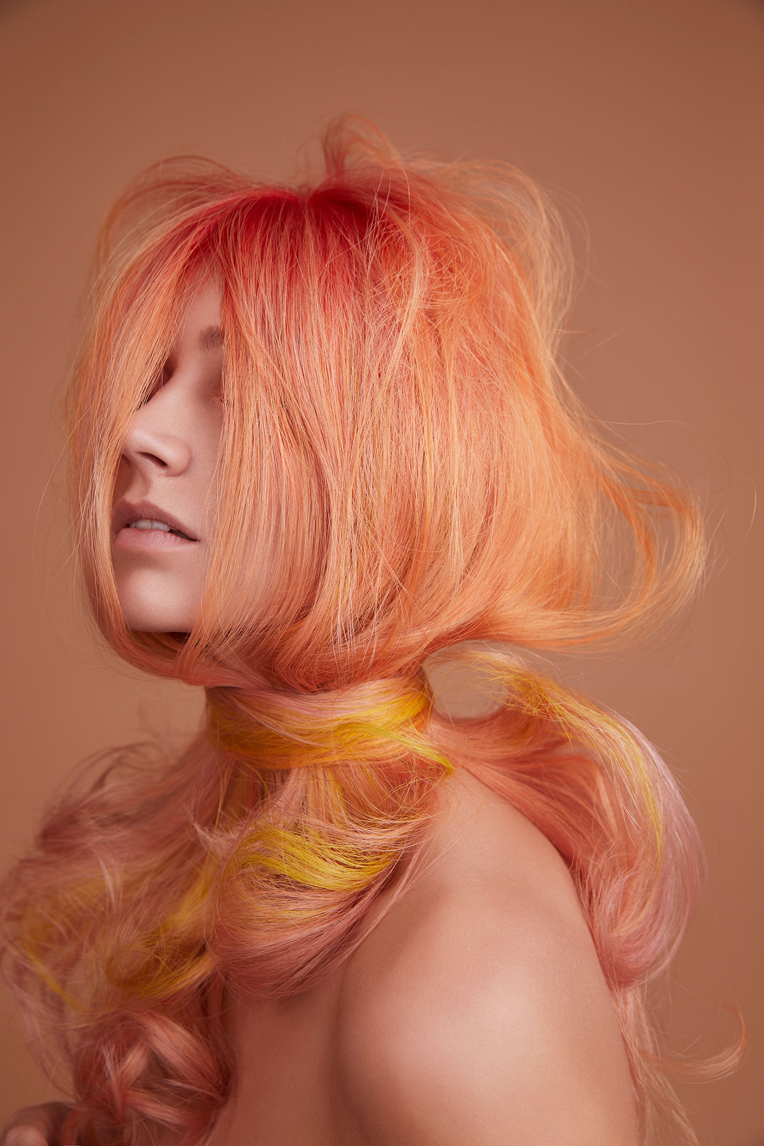 pantone+colour+of+the+year+hairdresser+living+coral+peach+pastel+farbe+wien+balayage+farbspezialist+ahda+austrian+award+lizzy+lemon+ginger+wien+1060+friseur.jpeg