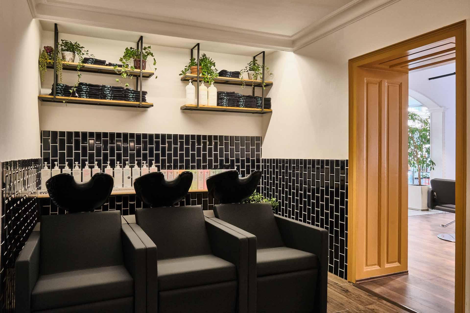 gumpendorfer+strasse+pahi+oslo+washingstation+highclass+top+friseur+hairdresser+ginger+lemon+hairspace+wien+interior+design.jpg