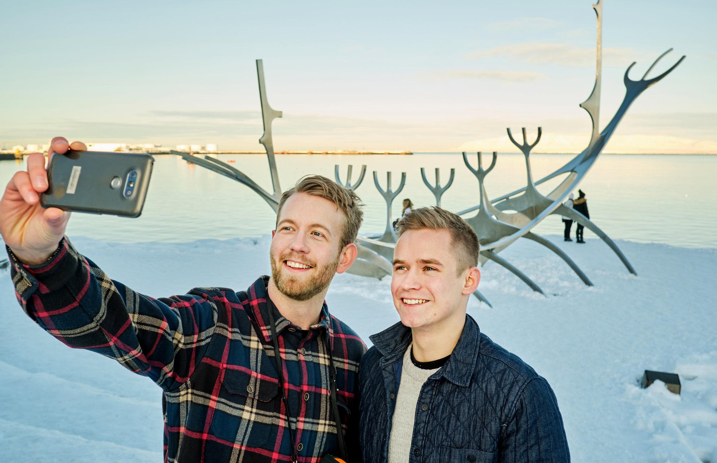 Selfie Station   Myndaupplifun við helstu kennileiti Íslands