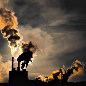 FASHION & GREENHOUSE GAS EMISSIONS