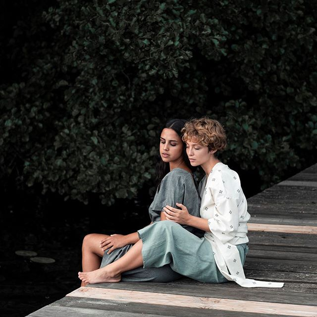 Jyoti - Empresas sociales alemanas e indias que empoderan a las mujeres a través de la producción de moda justa.Sede: AlemaniaPrecio: €€Envíos: Para Europa con gasto envíoPágina web: www.jyoti-fairworks.org