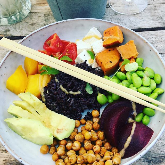 Lunch time! #healthyfood #vegetarian #healthylifestyle #beach