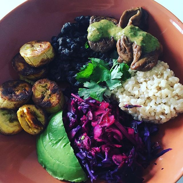 Vegan plantain bowl 🍲 🤤#vegan #dinnerideas #healthyfood #protein