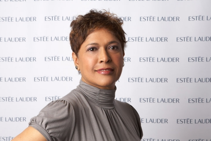 Speaker - Book Gloria to speak on topics relating to soft skills in the workplace, culture and new Canadians, networking, self-talk and success and women or her two keynotes.