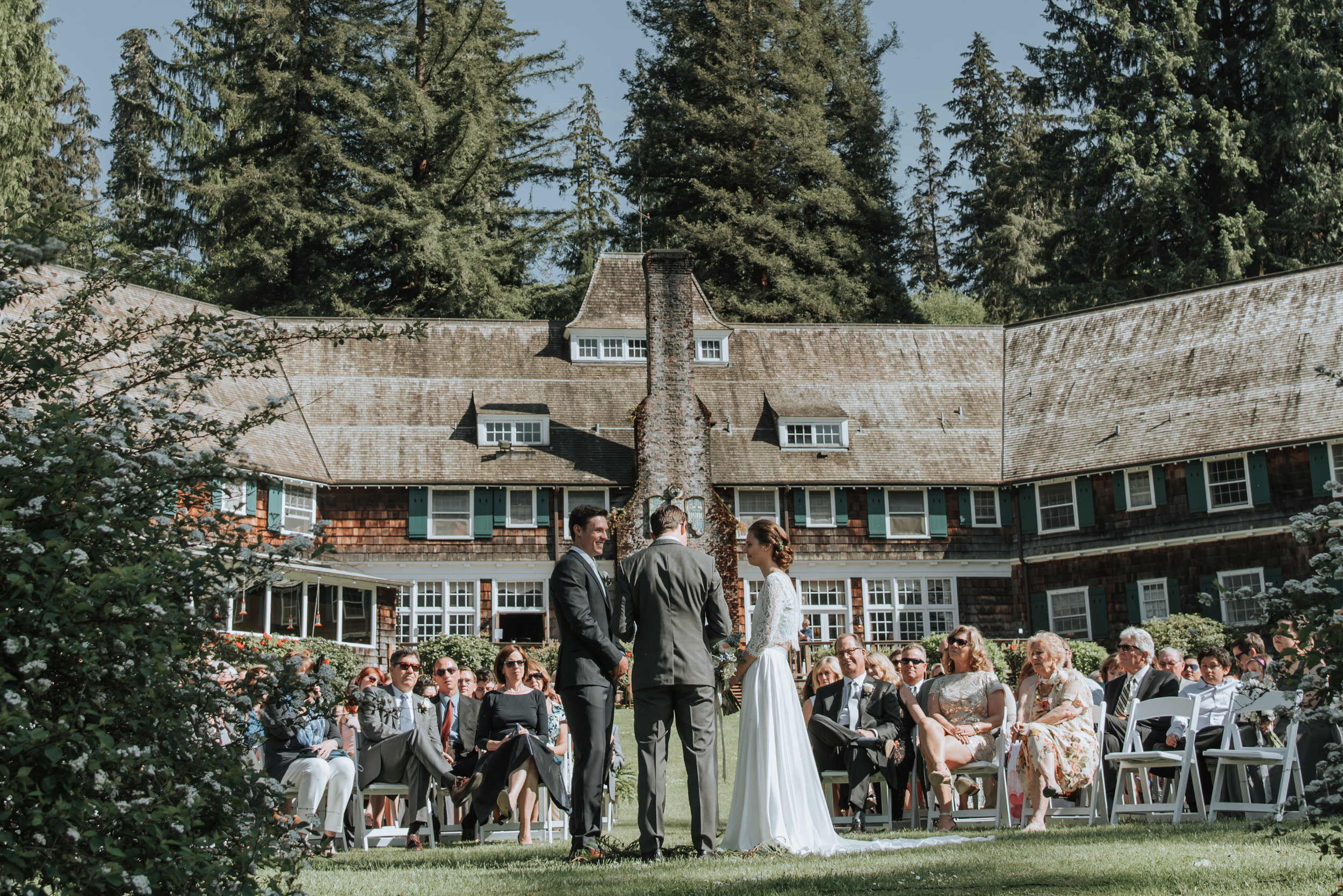 Elizabeth & Conor : Elizabeth describes her vision for a laid back wedding weekend for friends and family to enjoy the great outdoors in her home state of Washington.  Read More .