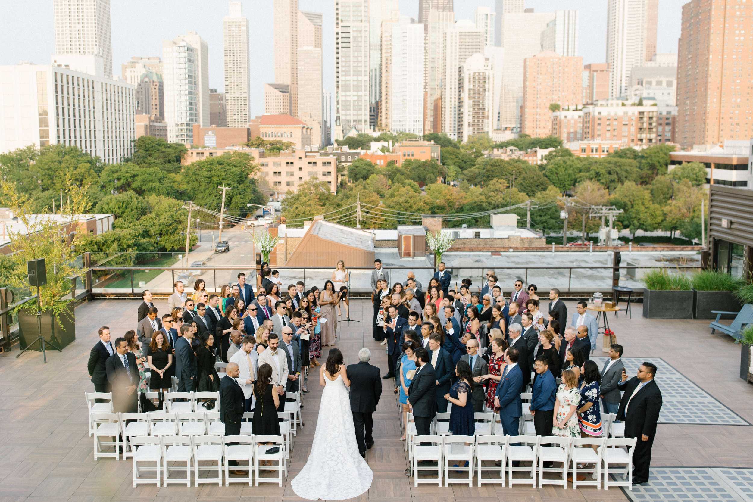 6 Chicago wedding photographers who caught our eye -