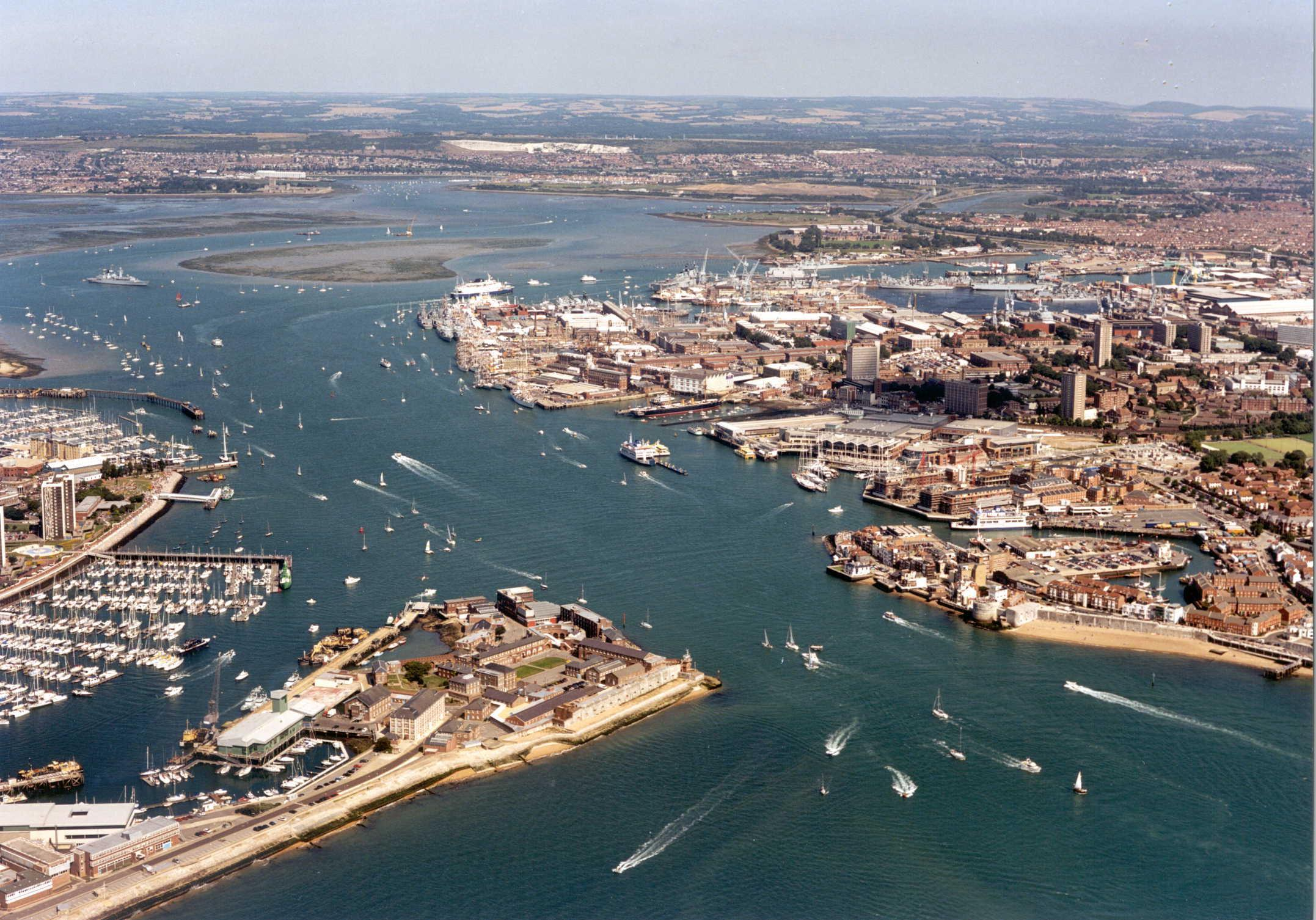 Portsmouth Harbour IFoS August 2001.jpg