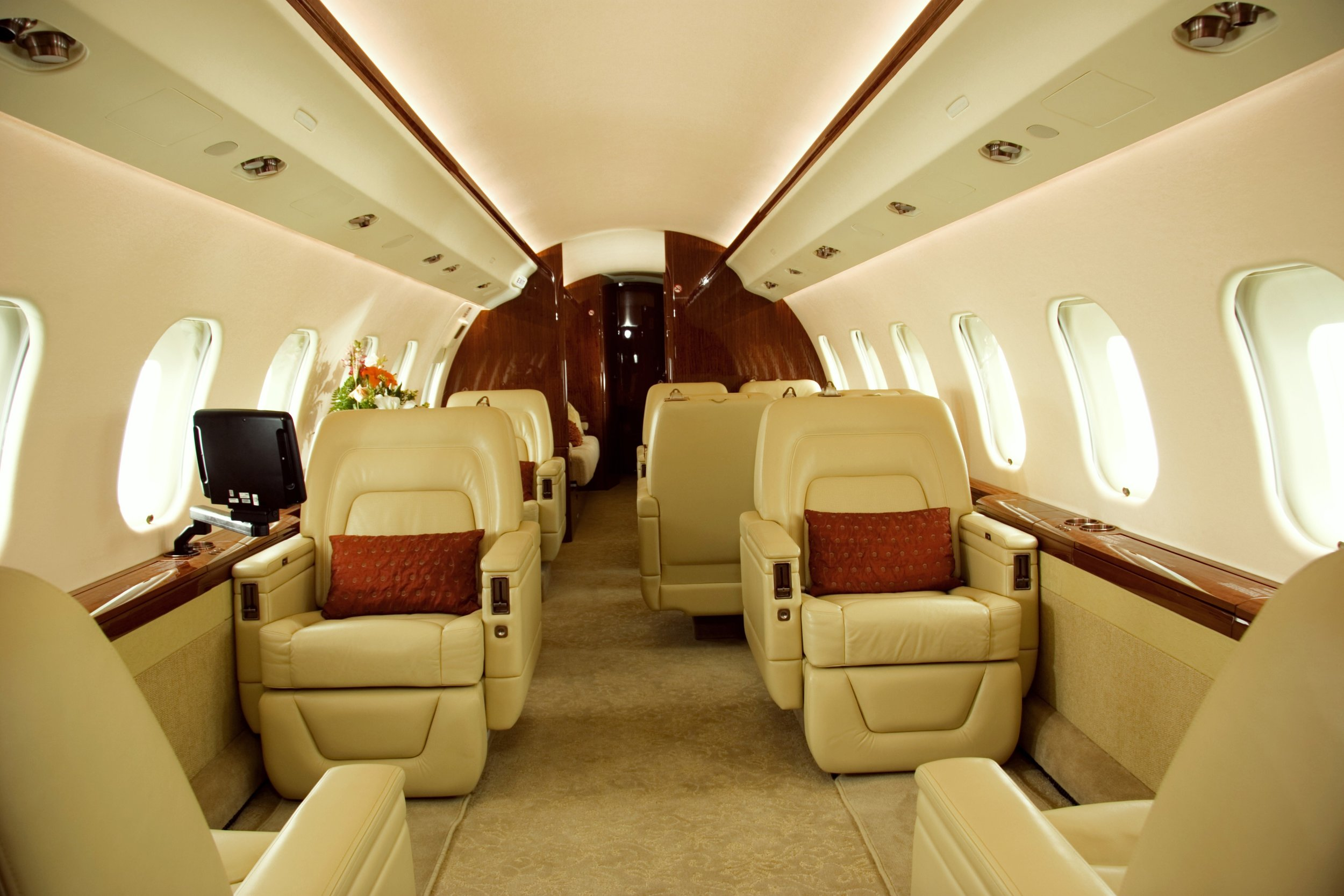 Global Express XRS cabin 1.jpg