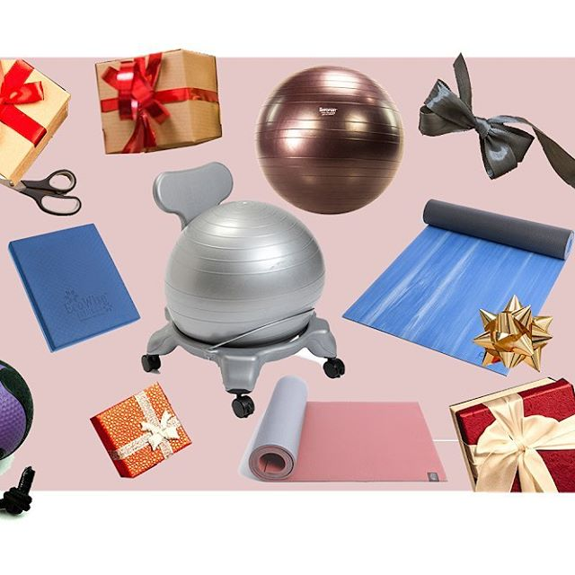 🌟Check out our Holiday Gift Guide at bit.ly/aeromatgift and shop with code HOLIDAY15 for 15% off selected items! Aeromat Holiday Gift Guide features our best sellers for home and office. What's more precious than gifting #wellness ? #aeromats