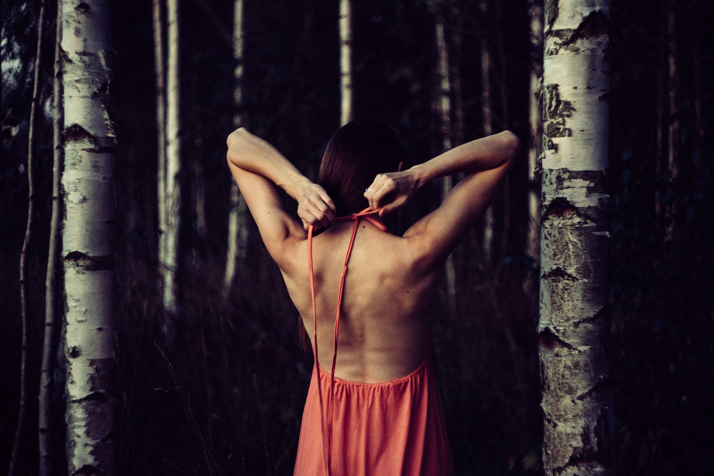 tantrisk-beroring-har-potensial-til-a-lede-oss-inn-i-en-tilstand-av-meditasjon.jpg
