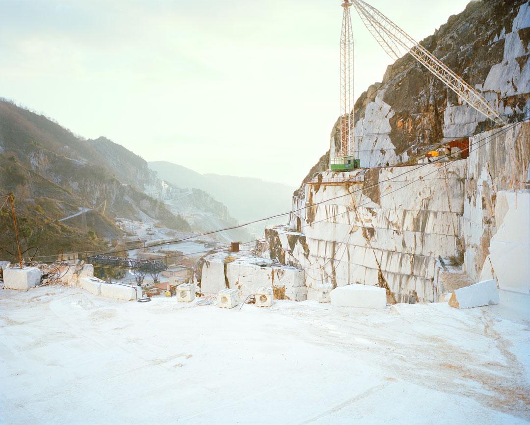 A Precipice (Carrara)