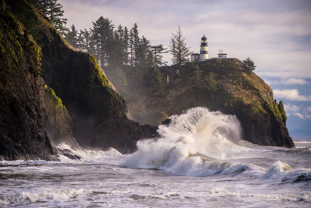 3b02609d-3528-450c-858d-164f364a044e-151213_cape_disappointment_waves_32.jpg