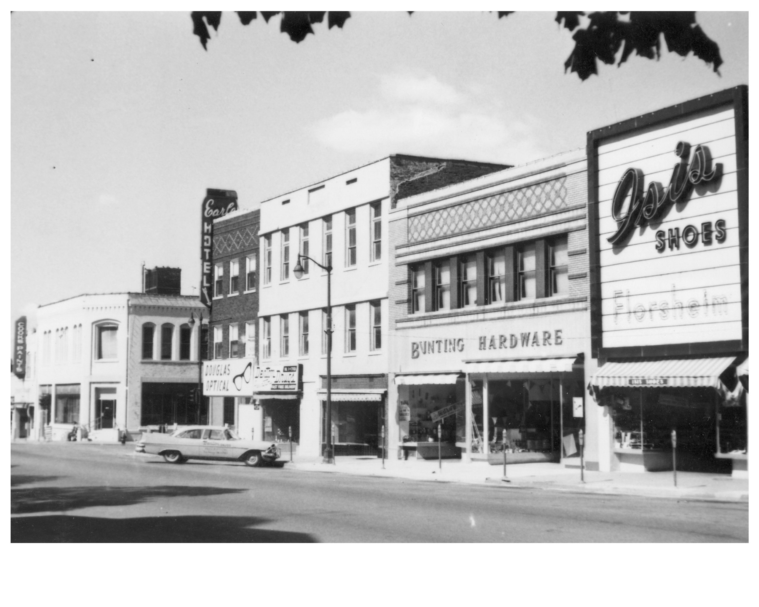 Independence Square circa 1953, Maple Ave.
