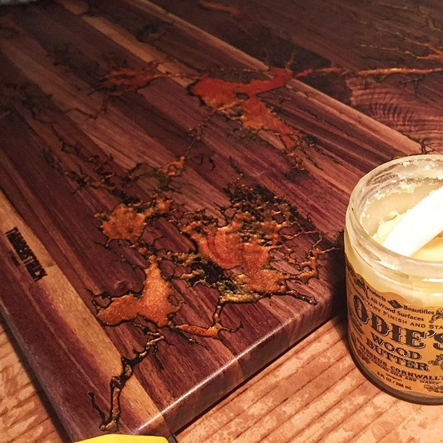 Buffing some @odiesoil wood butter onto last minute Christmas orders. Odies is now our go-to finish for quality, durability, and a great smell 👌🏼