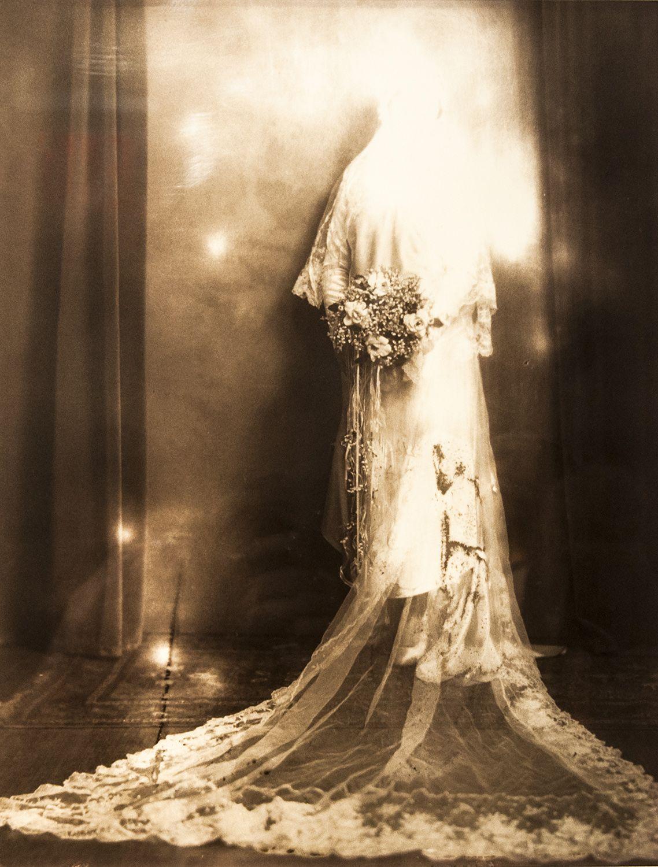 The Bride Vanishes (2012)