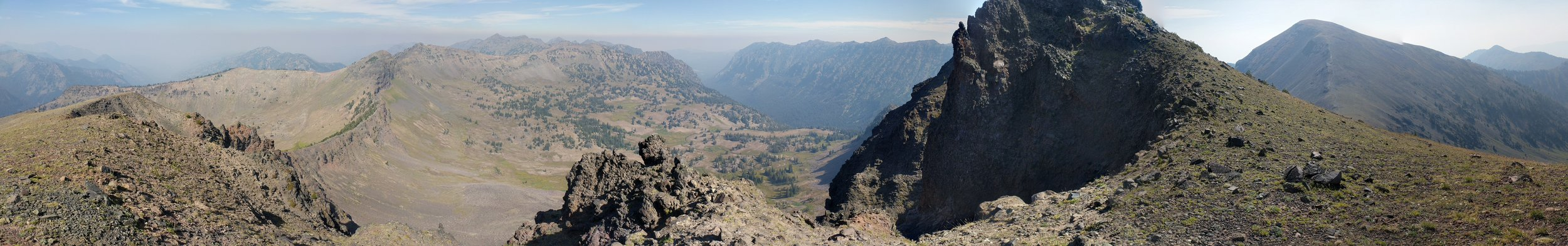 Clockwise, from 12 o'clock: the Hyalite Creek valley, Hyalite Peak (far right), Point 10,201 (center), Point 10,024 (left), Point 10,073, Divide Peak