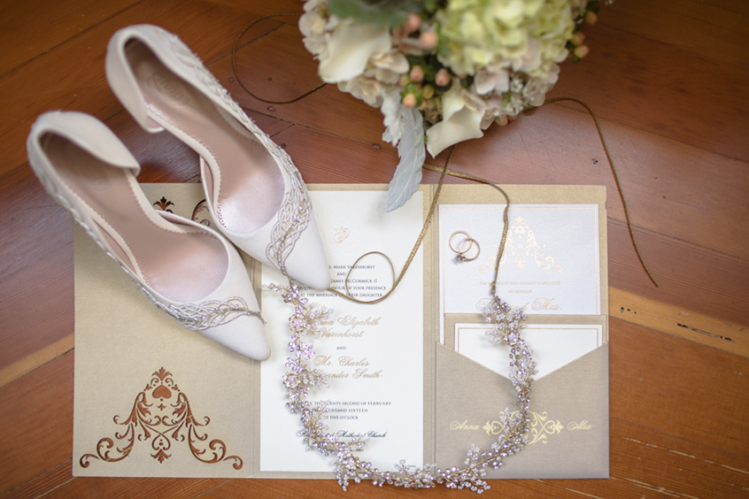 exquisite weddings - An intimate fall wedding at The Bembridge House In Long Beach, highlights the class & vintage details of this location.