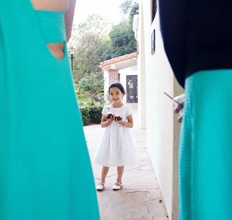 Getting caught #cupcakes in hand ❤️ #nunezweddings #flowergirl #weddingphotographer  (at Vancouver, Washington)