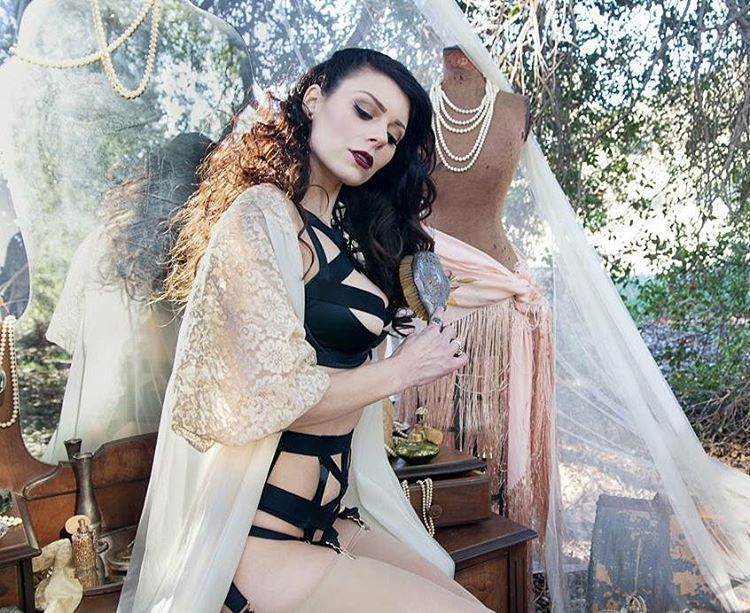 It's always that time of the season… #Boudoir #Specials email : info@nunez-wedding.com                                         •••••••••••••••••••••••••••••••• #nunezweddings #muah @leahcarmichael @maryluartistry #vintagerentals #vintagestyling @touchedbytime #wardrobe @playclothesvintage @agentprovocateurofficial #agentprovocateur #vintage #beauty #love #groomgifts  (at Los Angeles, California)