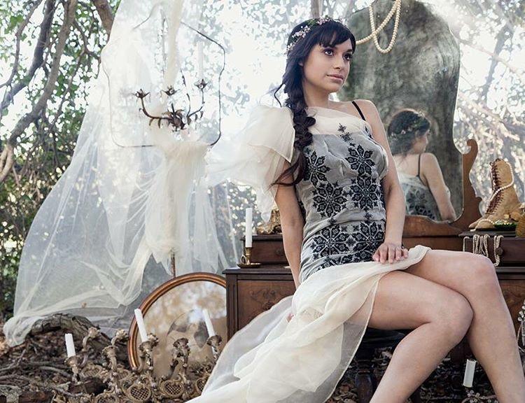 Just a magical dream… w/ model : @adriagoeslightly Dress: @michellehebertofficial Set Styling: @touchedbytime Location: @owlcreekfarmsweddings Florals: @houseofmagnolias MUAH: @maryluartistry @gaaaabi @laurrenok     Stylist: @katelynn_tilley #nunezphotography #nunezweddings #weddingphotography #love #followme