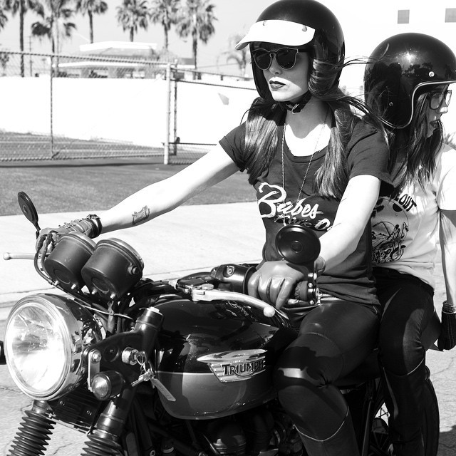 Can't get enought of these #babes @nevermoore & @tamararaye , rocking their @babesrideout gear! #motorcycle #babesrideout #la #nunezphotography