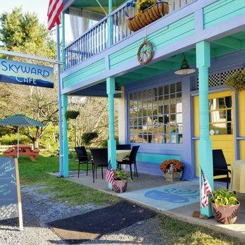 Skyward Café -650 Zachary Taylor Hwy, Flint Hill, VA 22627 -