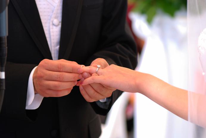 106237-church-wedding-ring-2.png