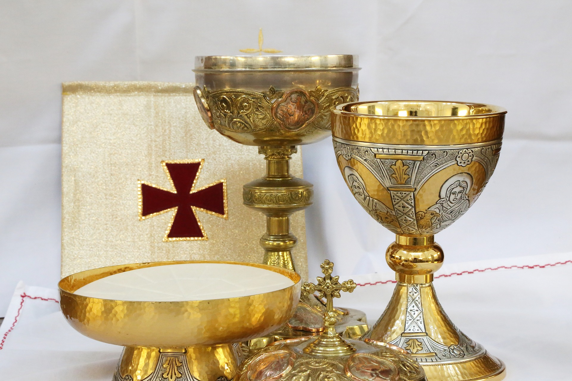 Liturgical Minister Schedule - Altar BoysExtraordinary Ministers of Holy CommunionLectorsSacristansUsher GreetersJuly Minister ScheduleAugust Minister Schedule