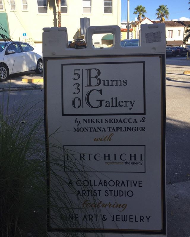 Moving my Studio (but not my artwork) to a new location across the street. Happy to exhibit in 530 Burns Gallery but soon will be Painting and holding workshops across the street in a large room. I will walk my new work to the Gallery. #lovesarasota #studioinparadise #colorandenergy  #floridapainter #pleinair #oilpainter #learnto paint